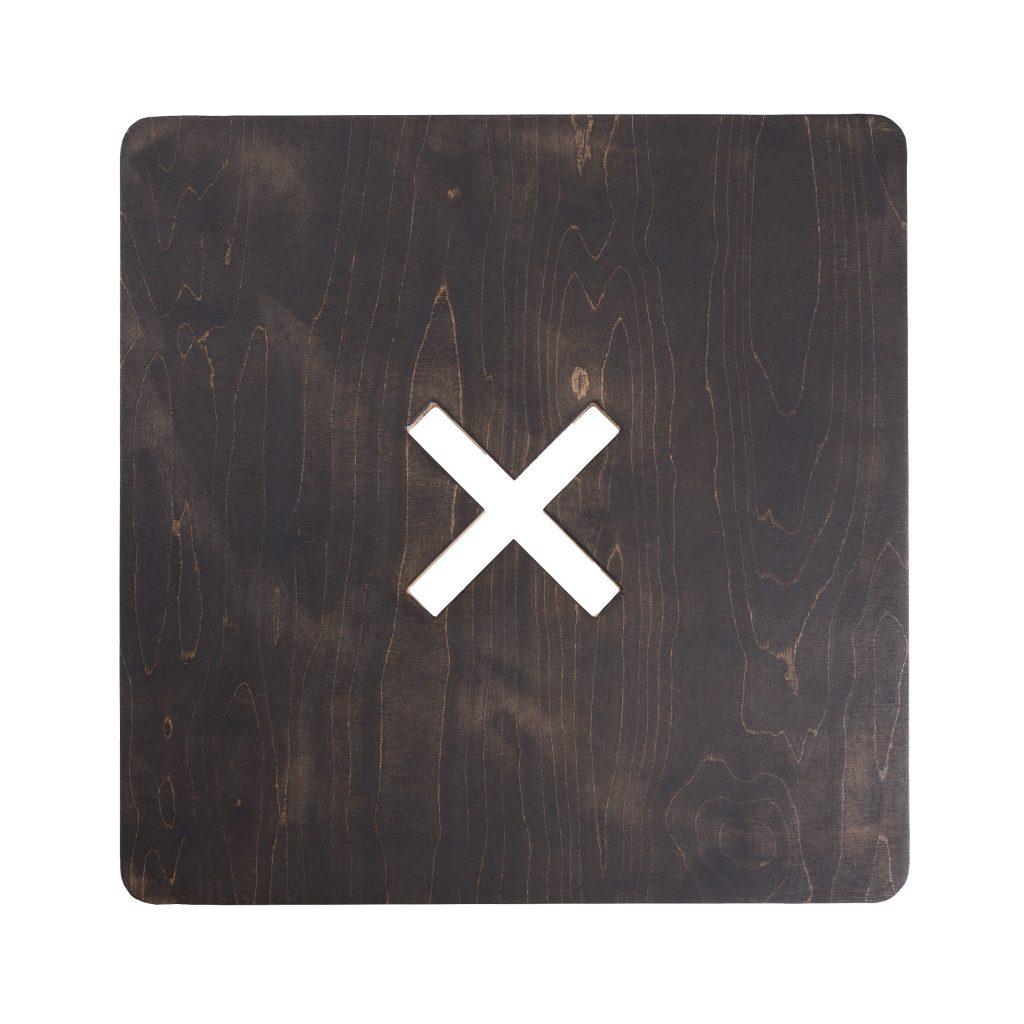 Neliskulmainen pöytä, musta