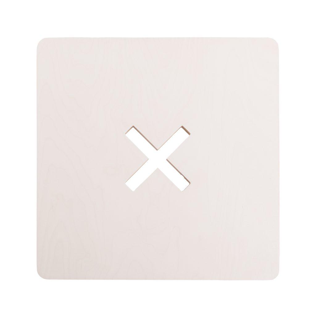 Neliskulmainen pöytä, valkoinen