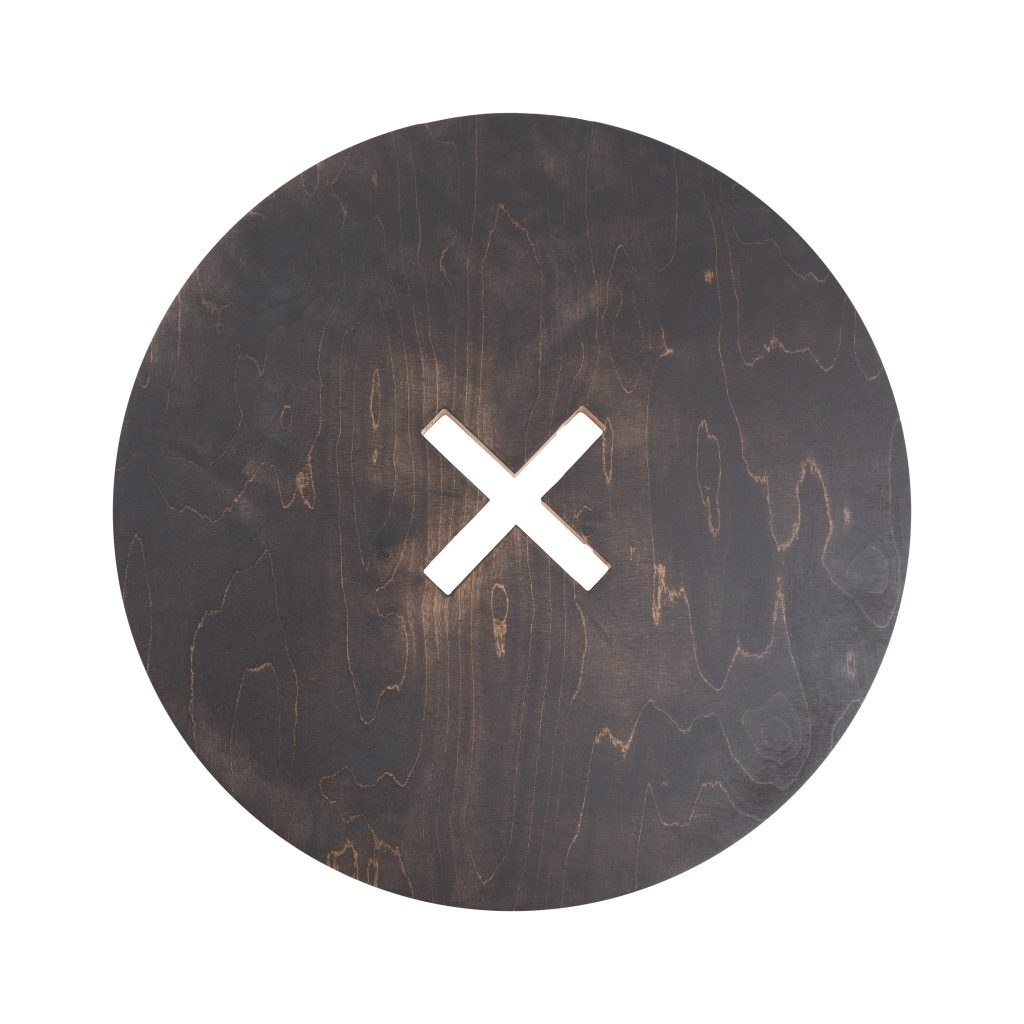 Pyöreä pöytä, musta