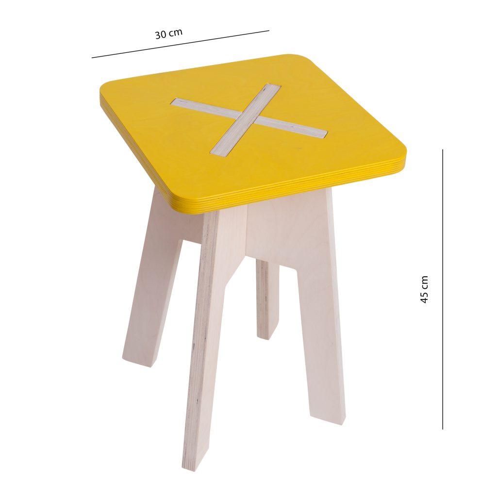 Neliskulmainen tuoli, keltainen