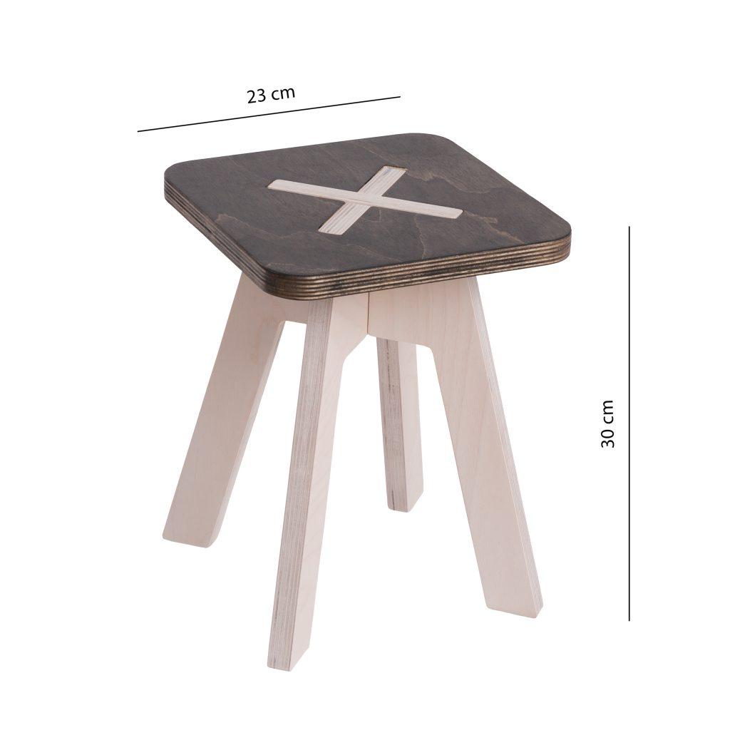 Pieni neliskulmainen tuoli, musta